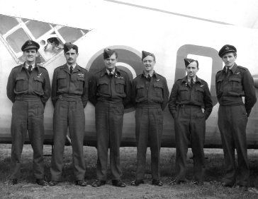 Wellington - Gibbs' crew 1945 copy