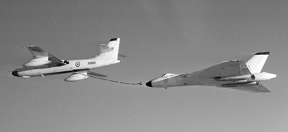 Valiant of 214 Sqn & Vulcan of 617 - 1960 - pre-Oz copy